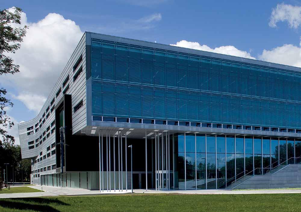 структурное остекление фасадов зданий